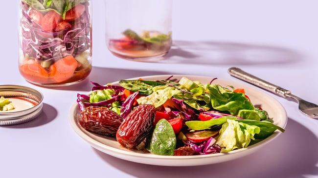 Individual-Green-Salad-Jars-topped-with-Fresh-Medjool-Dates
