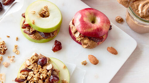 Medjool-Date-and-Apple-Sandwiches